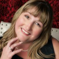 Author Nicole Eglinger