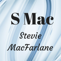 Author Stevie MacFarlane
