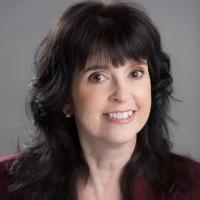 Author Nola Robertson