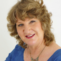 Author Nhys Glover