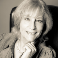 Author Barbara Longley