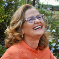 Author Linda L. Zern