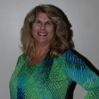 Author Wanda Luthman