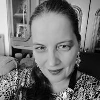 Author Karina Kantas
