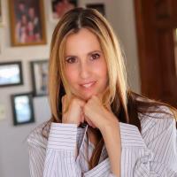 Author Vicki-Ann Bush