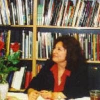 Maria J Andrade, L.M.F.T.